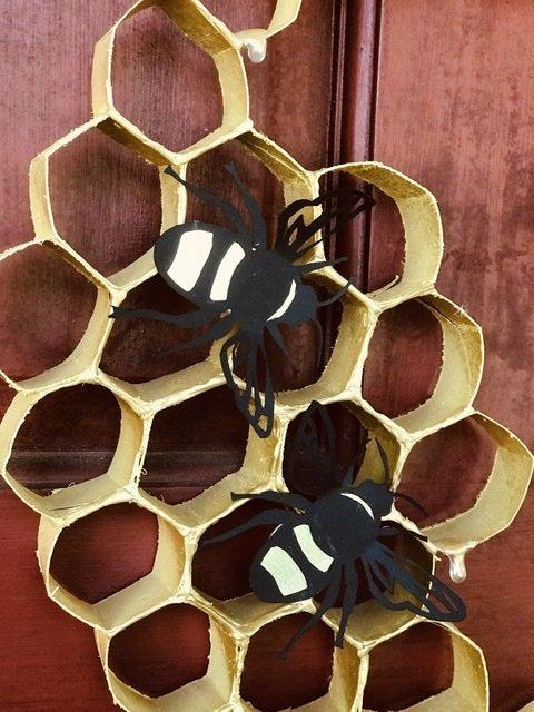 DIY toilet paper roll Bee wreath